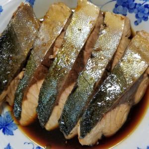 昨日の晩御飯「鰤の照り焼き」「キノコと豚肉炒め」