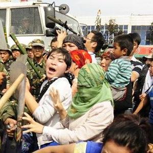 米中対立は経済から人権問題へ 香港とウイグル問題
