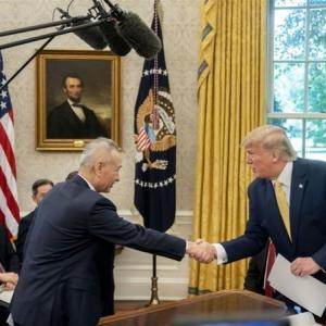 米中合意は見せかけ 中国の景気後退とトランプの弾劾