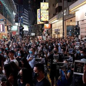 香港動乱、中国は経済を犠牲にしても民主化認めず