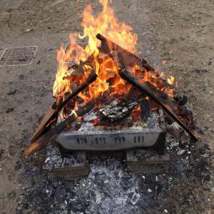 廃材で焚き火からのおいもー!