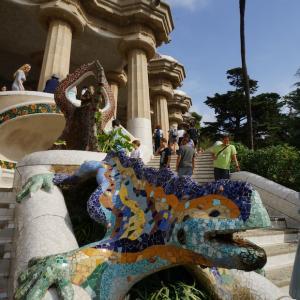 Gaudiを支えたグエル氏の存在とグエル公園