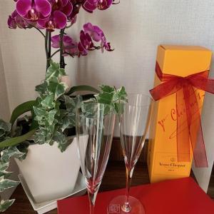 Baccarat のグラスとVeuve Clicquotのシャンパン