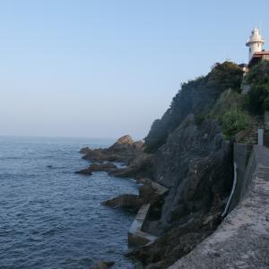 志摩名物かつお茶漬けを食す、食後に大王崎灯台の下をお散歩!