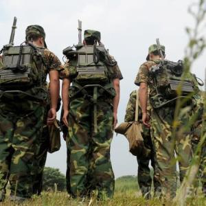 米国国境に中国軍25万人