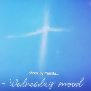 大 き な ✝ 字 架 の 雲