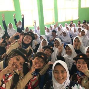 インドネシア中学校へ