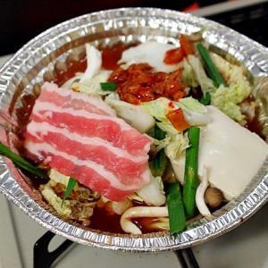 令和02年10月16日(金) 夜:家飯・豚肉キムチ鍋 ベーコン玉子焼き