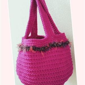エアーチューブの編みバッグ
