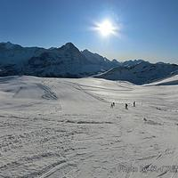 アイガー・ユングフラウのアルプスを眺めながらフィルストでスキー!