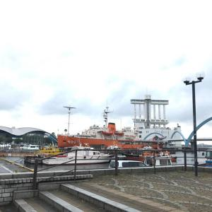 名古屋港水族館へ