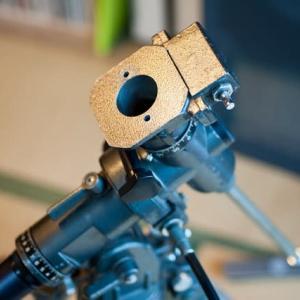 天体望遠鏡整備中 赤道儀と鏡筒の接続