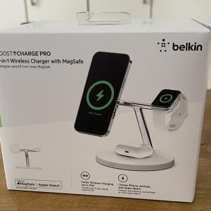 新しいiPhoneユーザーなら是非使って欲しいbelkinのMagSafe対応ワイヤレス充電器