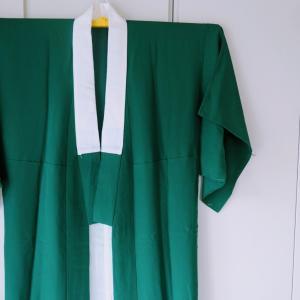 真緑の長襦袢