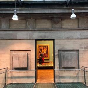 マンチェスターの美術館、マンネリ回避の意図は買う!でも、意義はあるのか、個性的な展示方法