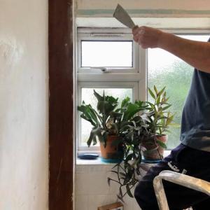 ロックダウンの正しい過ごし方;ペンキ塗りのための下準備、紆余曲折の末、バスルームの改装工事を取りやめた事情