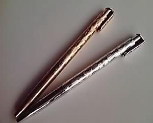 金銀のボールペン