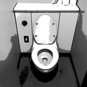 トイレの個室で用を足していると