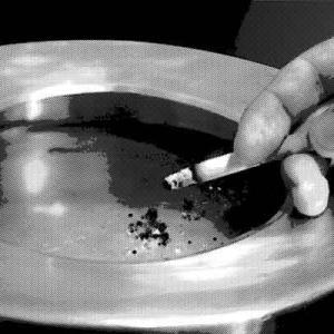 入院中、深夜に煙草が吸いたくなり喫煙所へ
