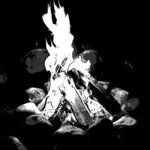 いつもは真っ暗な場所に灯っていた炎