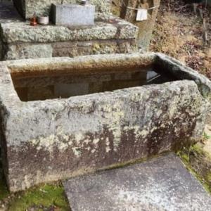 加古川町大野探検(49) 常楽寺の石造物(4)・石棺