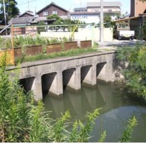 加古川町旧鳩里村探検(22) 稲屋・友沢(11) 稲屋逆水樋