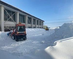 学校除排雪作業