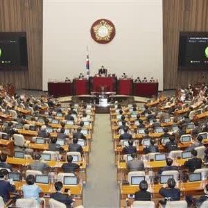 韓国「反日強硬派」の止まらない迷走 「親日派がつくった国歌」も「国花ムクゲ」も変えろと主張(新・悪韓論 室谷克実)