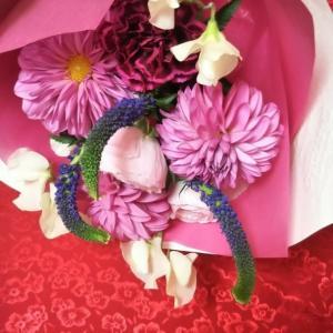 娘からの嬉しいサプライズ お花束プレゼント♡