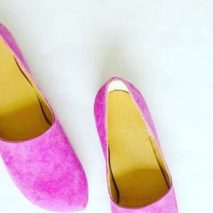 ロンドンで日本人が作っている革小物と靴のアトリエ