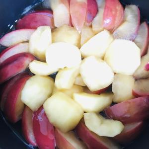 身体に良い、美味しいデザート食べたくて、作った「りんご煮」