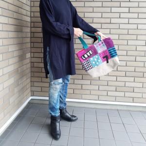 持ってみたシリーズ♪ 青×紫と赤いかばんを持ってみたよー やっぱりかわいい(親バカです) ちくちくへ納品しました