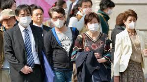 屋外ではマスクをはずせ!洗脳されている。恐怖を刷りこまれていてマスクをとれない愚かな日本人。次は害毒のあるマイクロチップ入りのワクチンを打ちましょうと政府はやってくる。