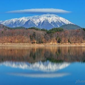 みちのく岩手山雪景色