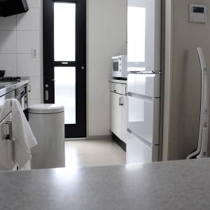 冷蔵庫を新調しました!真っ白で無駄のないシンプルデザイン