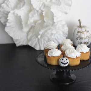 キャンドゥの雑貨と無印のお菓子で作るハロウィンのテーブルコーディネート