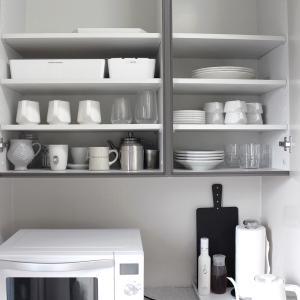 うつわ集めと収納の楽しみ!キッチンの限られたスペースに出しているもの、時短のために置き場所を変えたもの