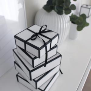 【キャンドゥで一目惚れ買い!白黒バイカラーのペーパーボックスはマルチで使えるおすすめ】活用法アイデア、北欧風インテリアに小物の収納と整理に