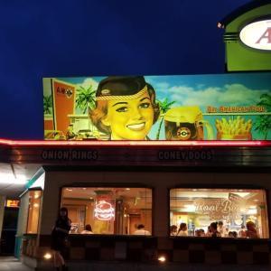 沖縄旅行記(11) A&W 牧港店 ~ The A&W Burger コンボセット ~