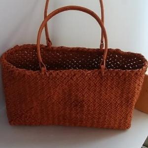 穴の空かない石畳編みの…