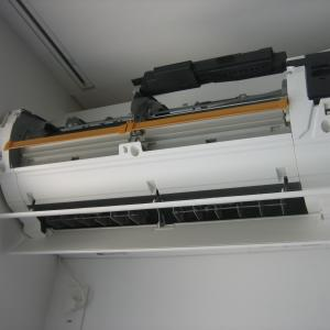 暑くなると臭いが気になるエアコン&洗濯機。クリーニングの時期です!!