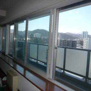 窓清掃で視界スッキリ!!