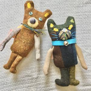 リメイク!秋冬生地から生まれたクマブローチと つぎはぎボディのネコブローチ