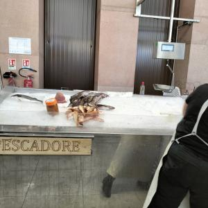 砦と市場と港の1日〜カフェはやっぱりイタリア(汗)