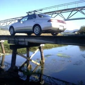 甲弩山手の沈下橋