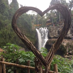 これからは働き方も変わるはず!&バリ島で滝修行!!