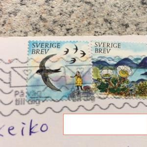 ツバメが手紙を運んできました。