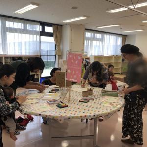 和やかに開催♡ 手形アート講座