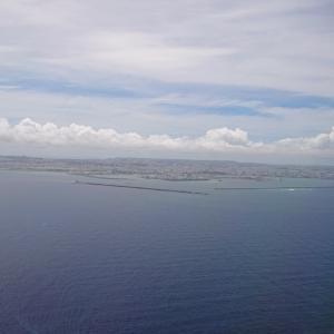 国内でも遠くに行きたくて…次は沖縄。ハマったのは、ふーちきなー&斬新ポーたまサンド。