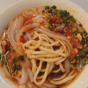 カラコルの伝統麺料理アシュランフーとは《キルギス旅行記37》